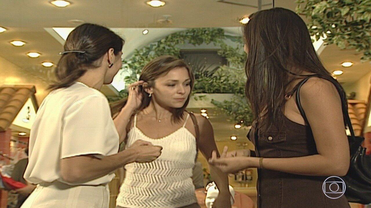 Capítulo de 30/09/2019 - Escrita por Manoel Carlos, 'Por Amor' traz o drama de Helena, que é capaz de trocar o filho vivo pelo neto morto, gerado pela primogênita, Maria Eduarda, pouco tempo após darem à luz.