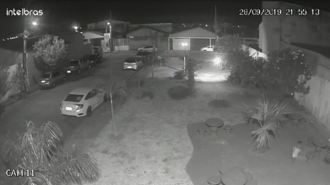 Criança de 2 anos é atropelada em condomínio de Cuiabá