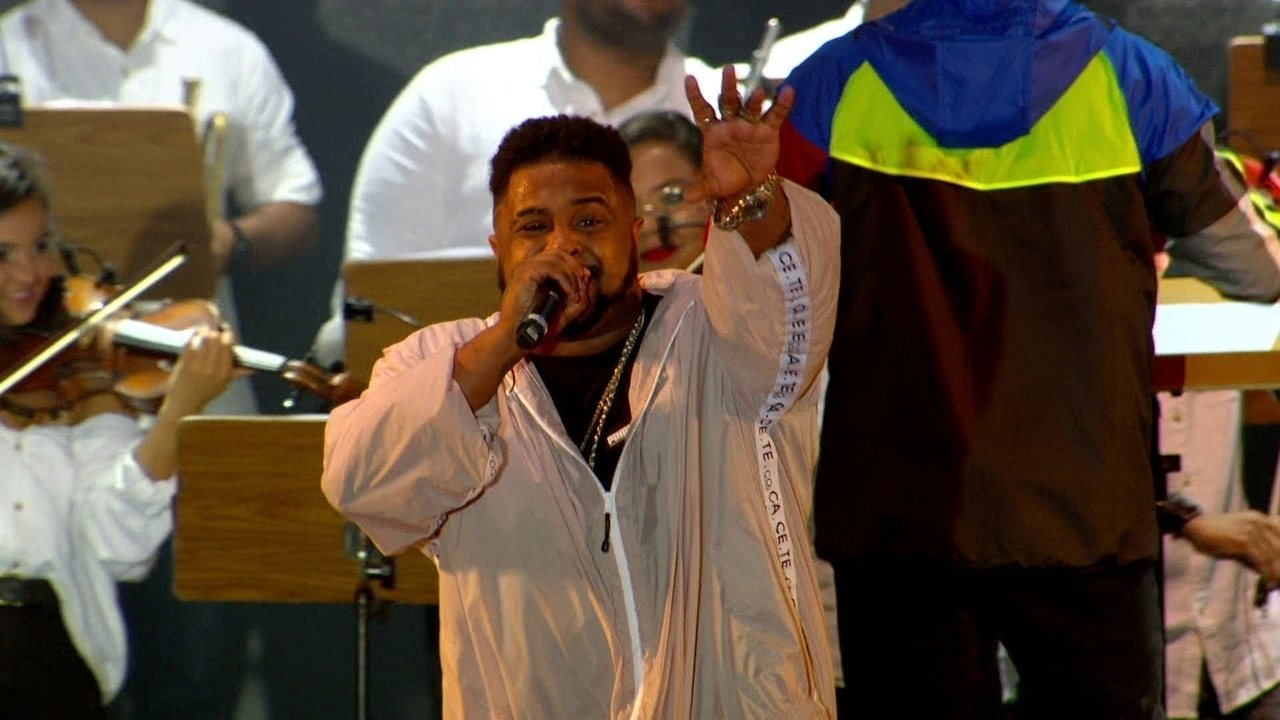 "Hip Hop Hurricane interpreta ""Te amo, Desgraça"" no Rock in Rio"