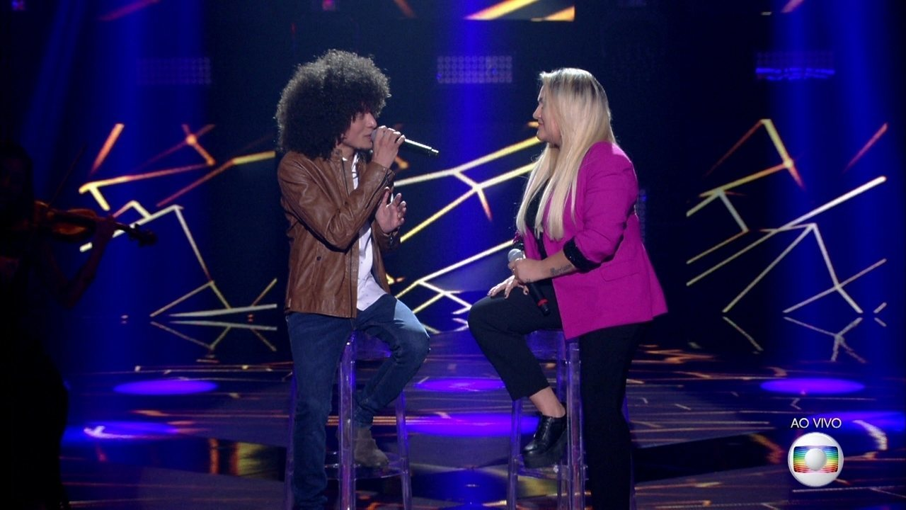 "Willian Kessley e Rebeca Lindsay cantam ""All Star"""
