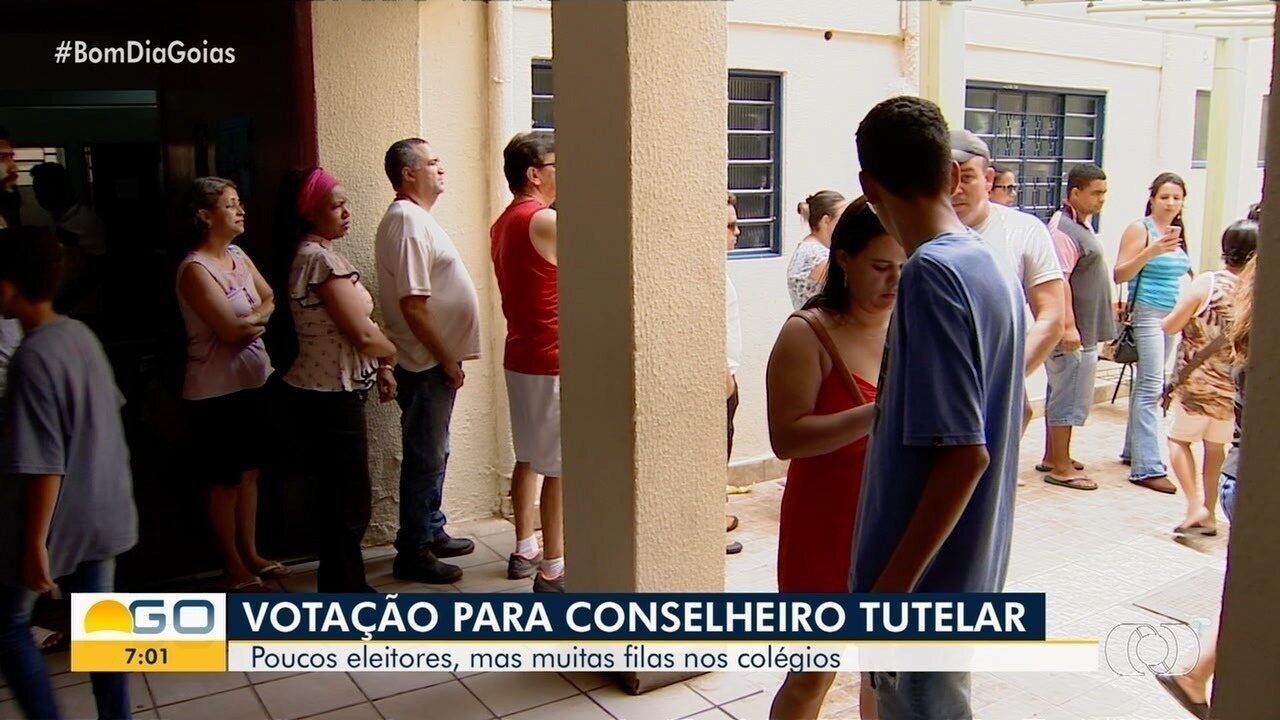 Eleitores reclamam de falta de estrutura na eleição para conselheiros tutelares de Goiânia