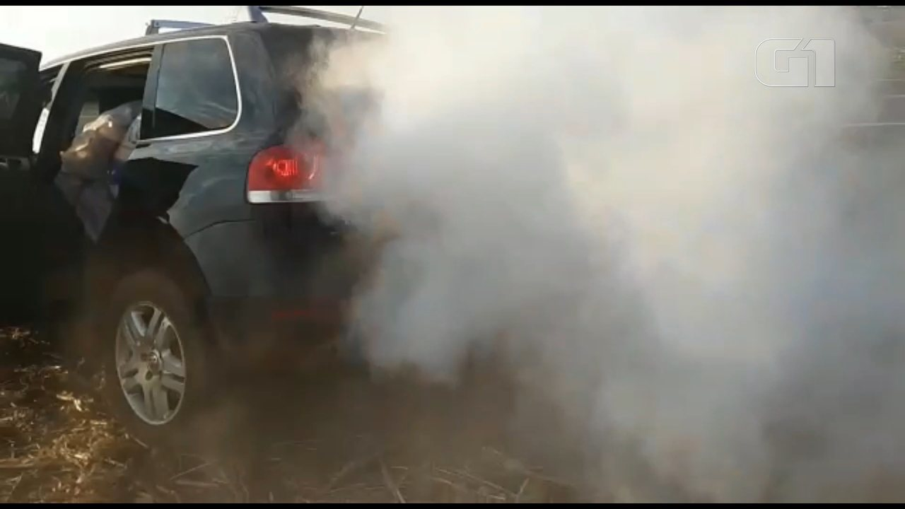 Motorista é preso suspeito de contrabando; ele usou dispositivo de fumaça para despistar