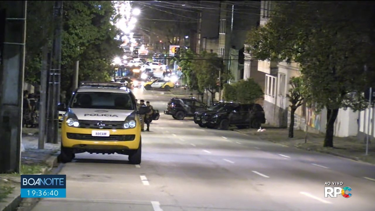 Homem atira de dentro de residência, no bairro Mercês, em Curitiba
