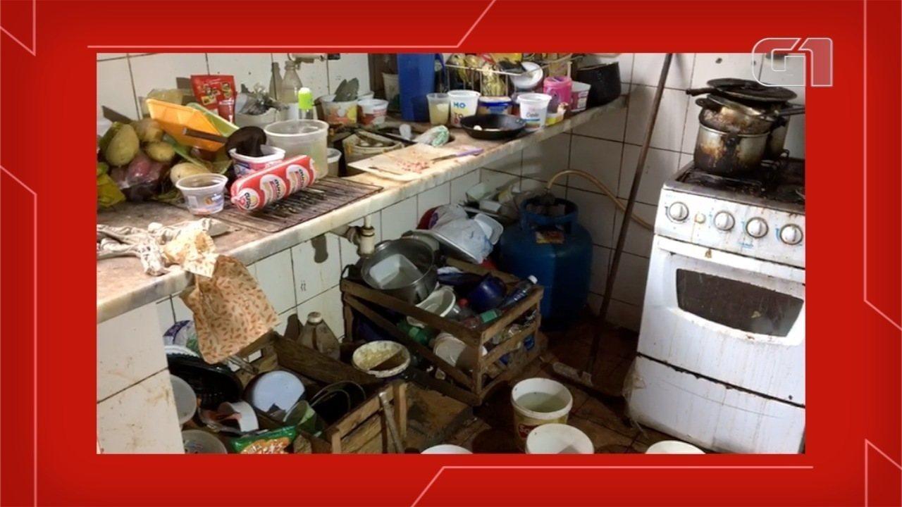 Mulher é flagrada com casa em condições insalubres, em Campo Grande
