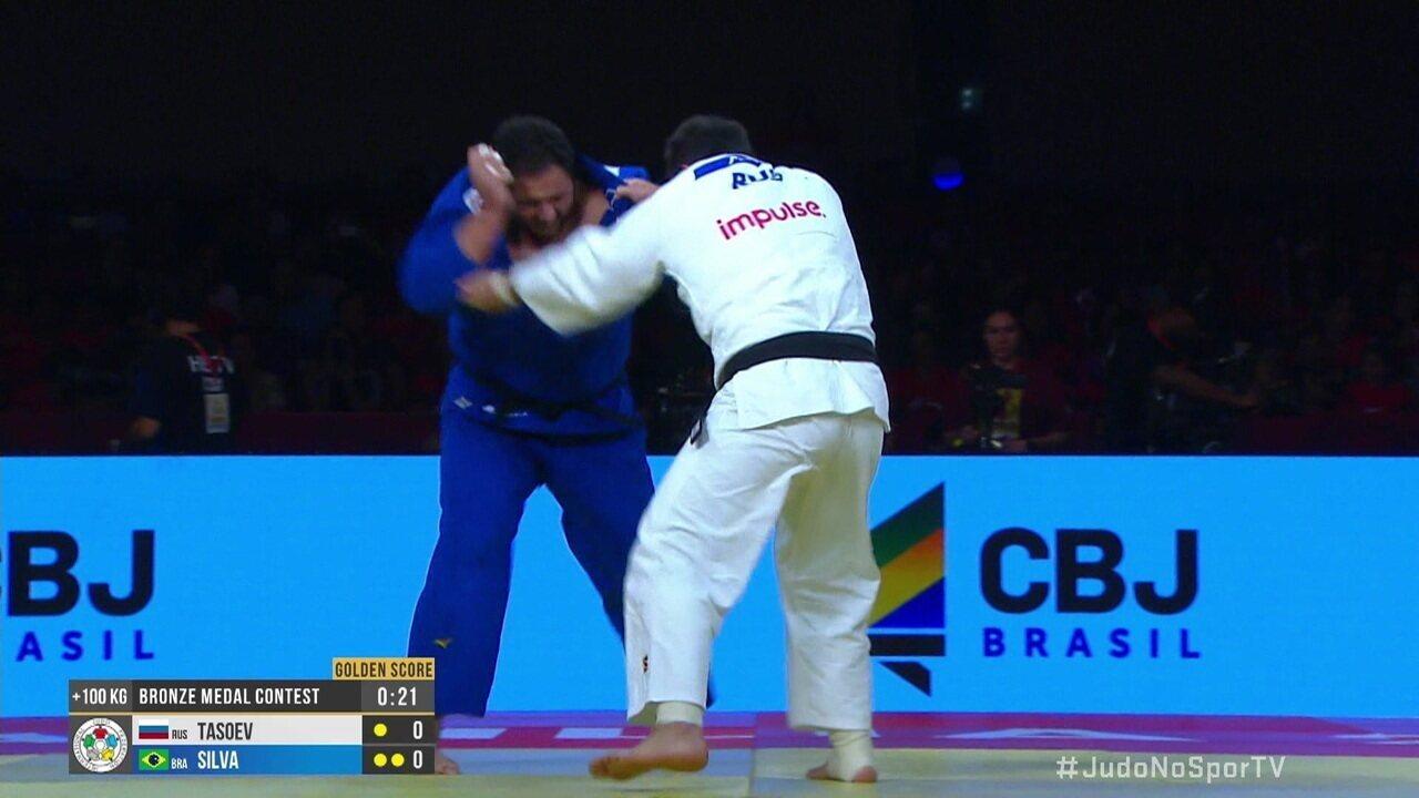 """Inal Tasoev vence Rafael """"Baby"""" na disputa do bronze na categoria +100kg no Grand Slam de judô"""