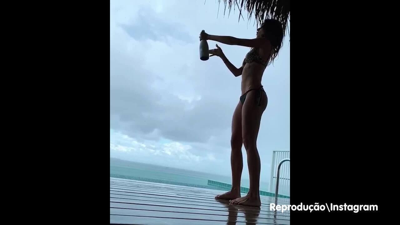 Thaila Ayala comemora lua de mel nas ilhas Maldivas