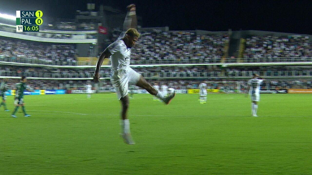 Gol do Santos! Marinho marca no rebote e VAR confirma o gol aos 17 do 1º tempo