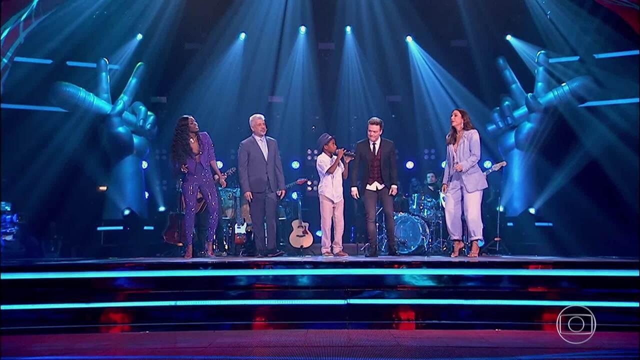 Daniel realiza sonho e canta 'Péssimo Negócio' no palco do 'The Voice Brasil'