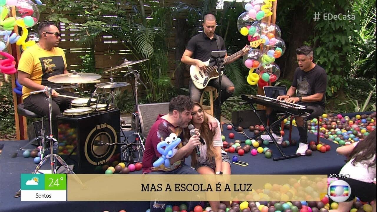 Balão Mágico canta 'Amigo e Companheiro'
