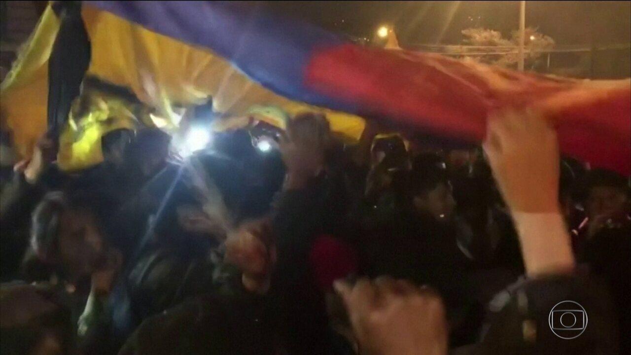 Governo do Equador e líderes indígenas fecham acordo para pôr fim aos protestos