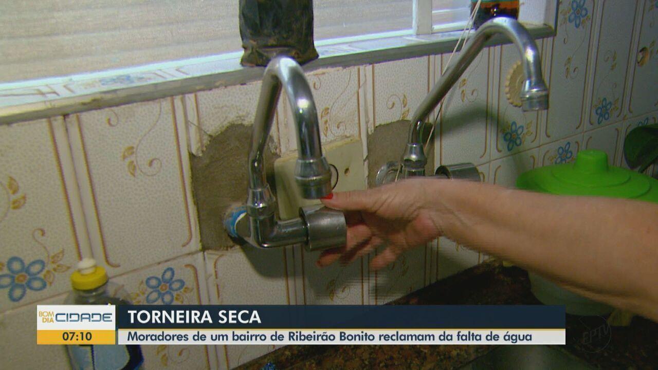 Moradores de Ribeirão Bonito reclamam da falta de água em bairro há mais de duas semanas
