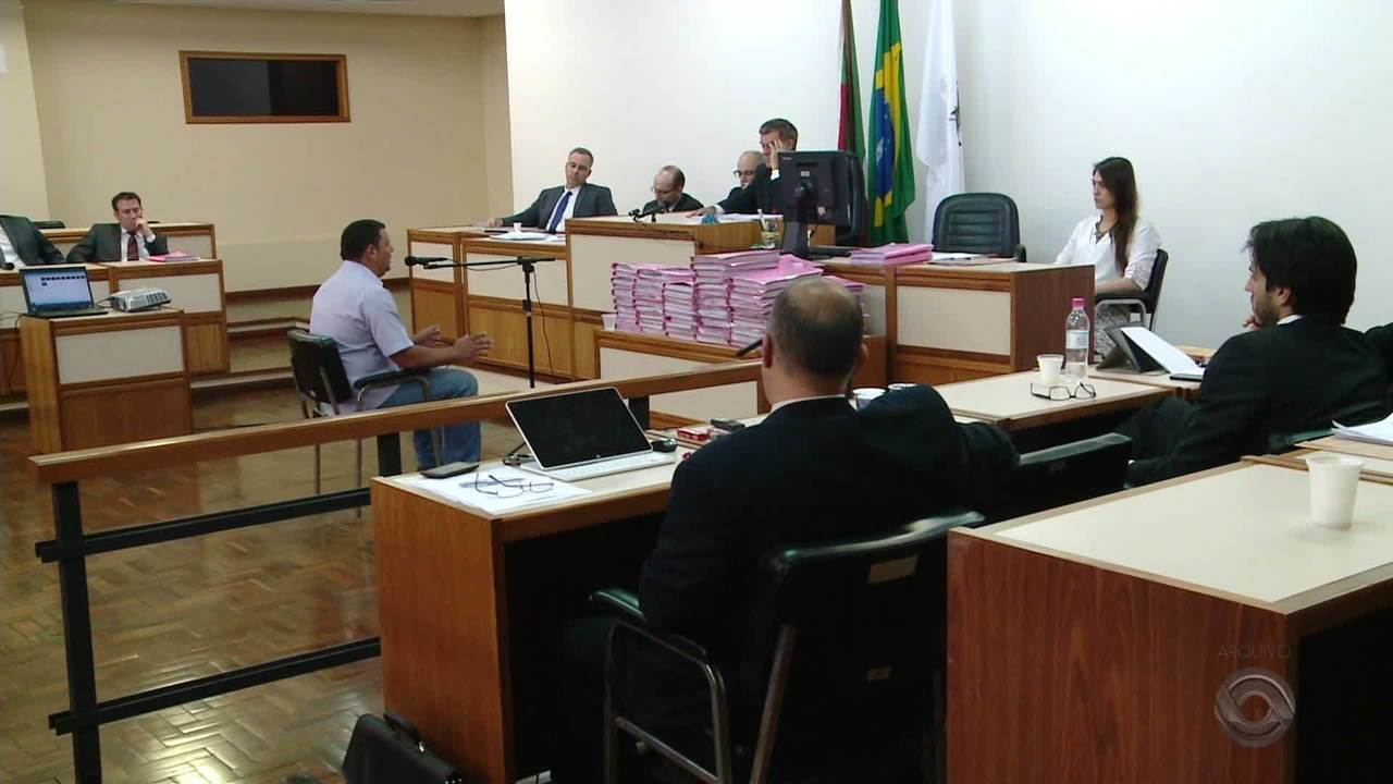 MP e familiares das vítimas da Kiss recorrem da decisão do juiz de dividir julgamentos