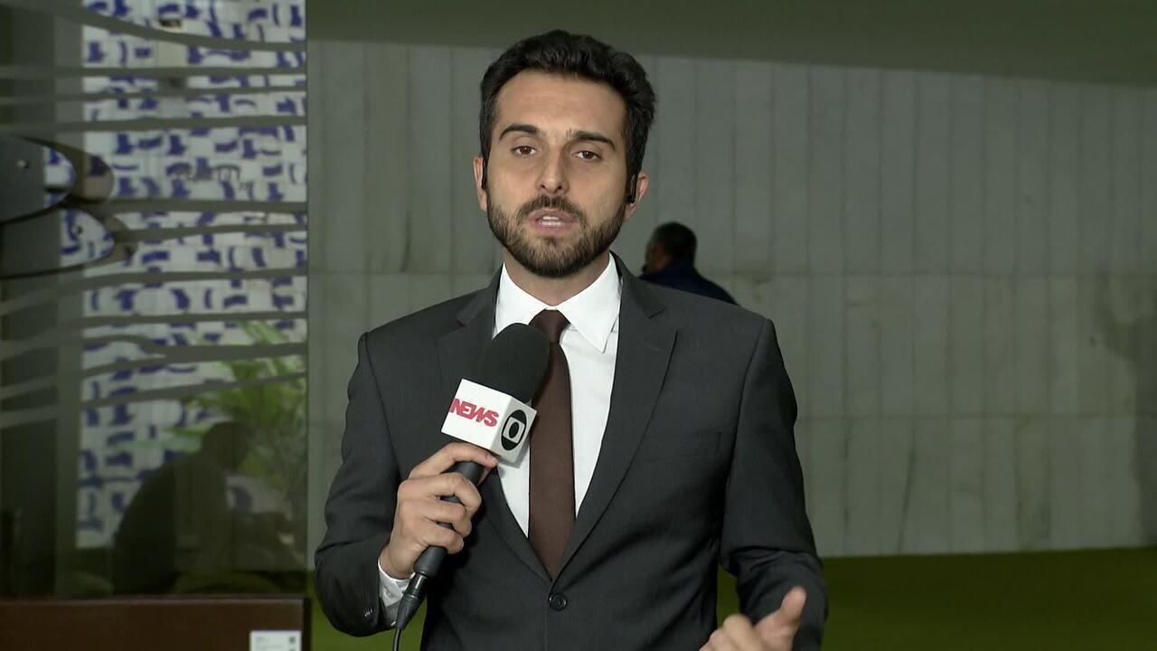 Delegado Waldir continua como líder do PSL