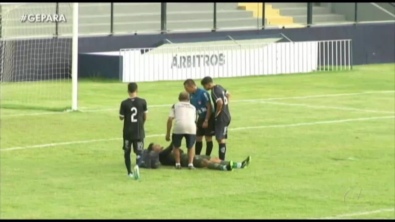 Goleiro caiu no gramado no início do segundo tempo: veja o que aconteceu