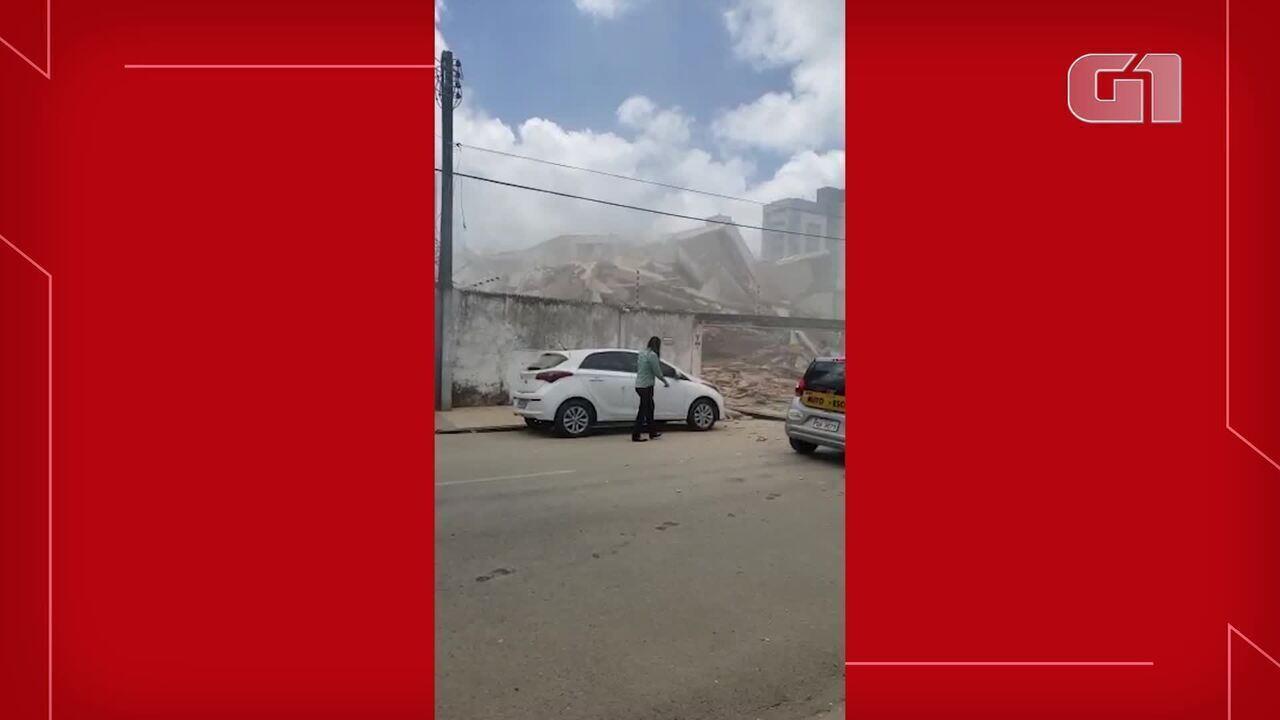 Vídeo mostra porteiro e responsáveis por obra deixando prédio logo após desabamento