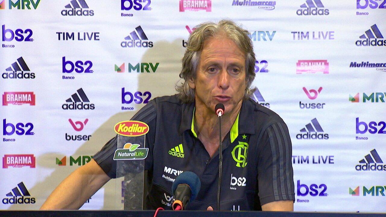 """Jorge Jesus comenta trecho do hino do Flamengo com a expressão """"ai-Jesus"""""""