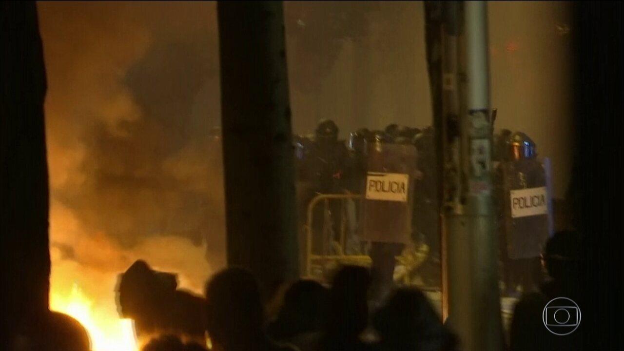 Manifestantes vão às ruas, em Barcelona pelo 6º dia seguido de protestos