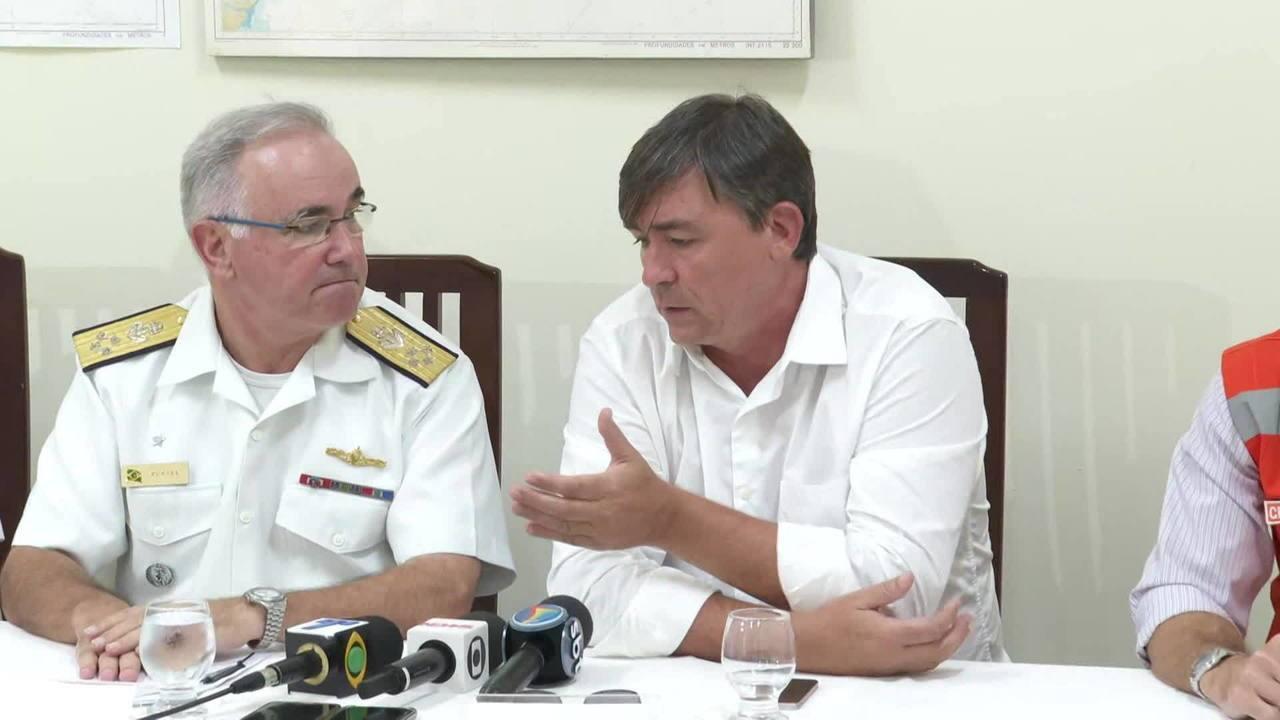 Secretário de Meio Ambiente de PE critica medidas federais para conter óleo nas praias