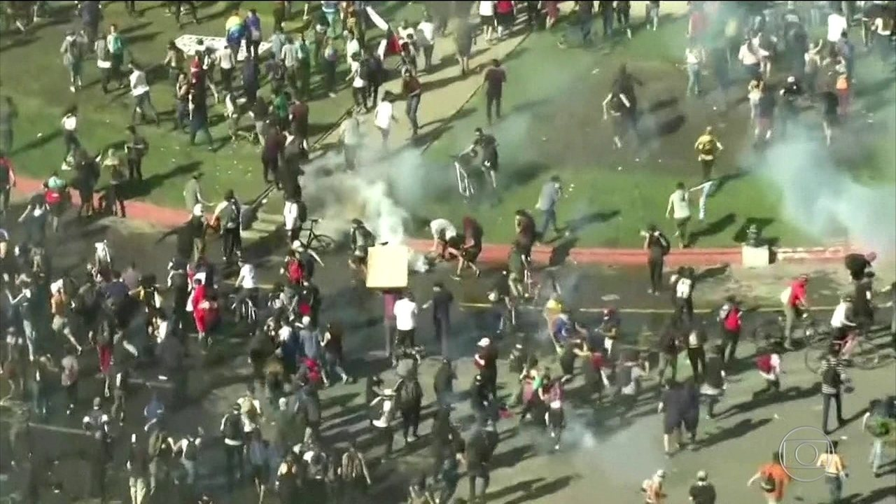Protestos contra o custo de vida no Chile deixam 11 mortos