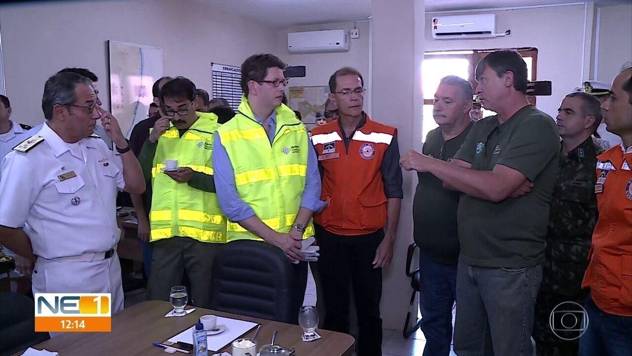 Ministro do Meio Ambiente visita Itapuama e fala sobre trabalho do governo contra óleo