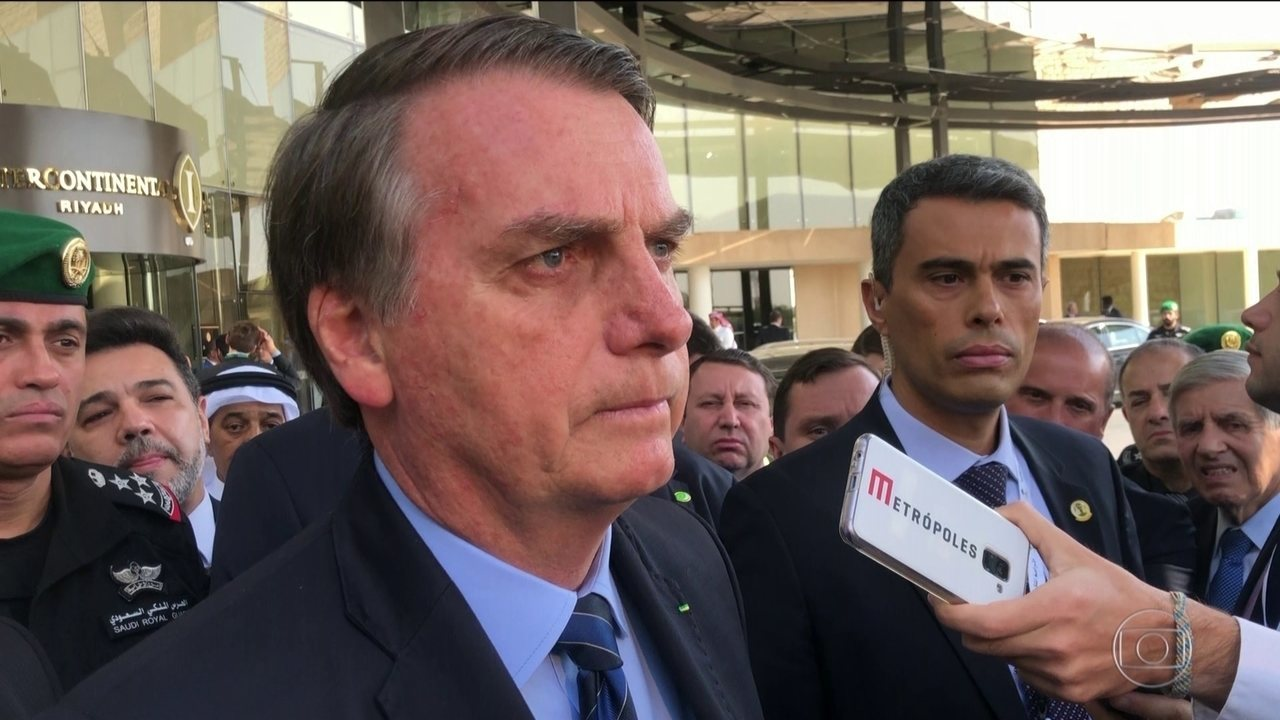Presidente Bolsonaro diz que vai pedir à PF que ouça porteiro de condomínio