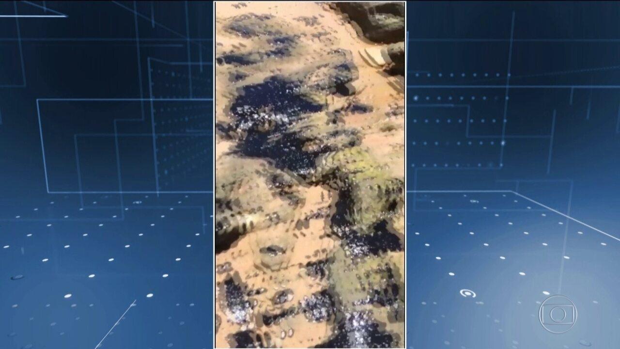 Manchas de óleo chegam mais ao sul da Bahia e atingem Arraial D'Ajuda e Trancoso