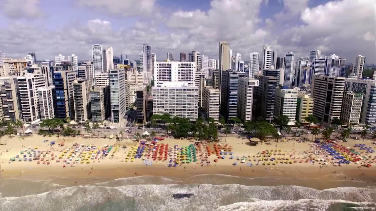 Praias são sinônimo de história no litoral brasileiro