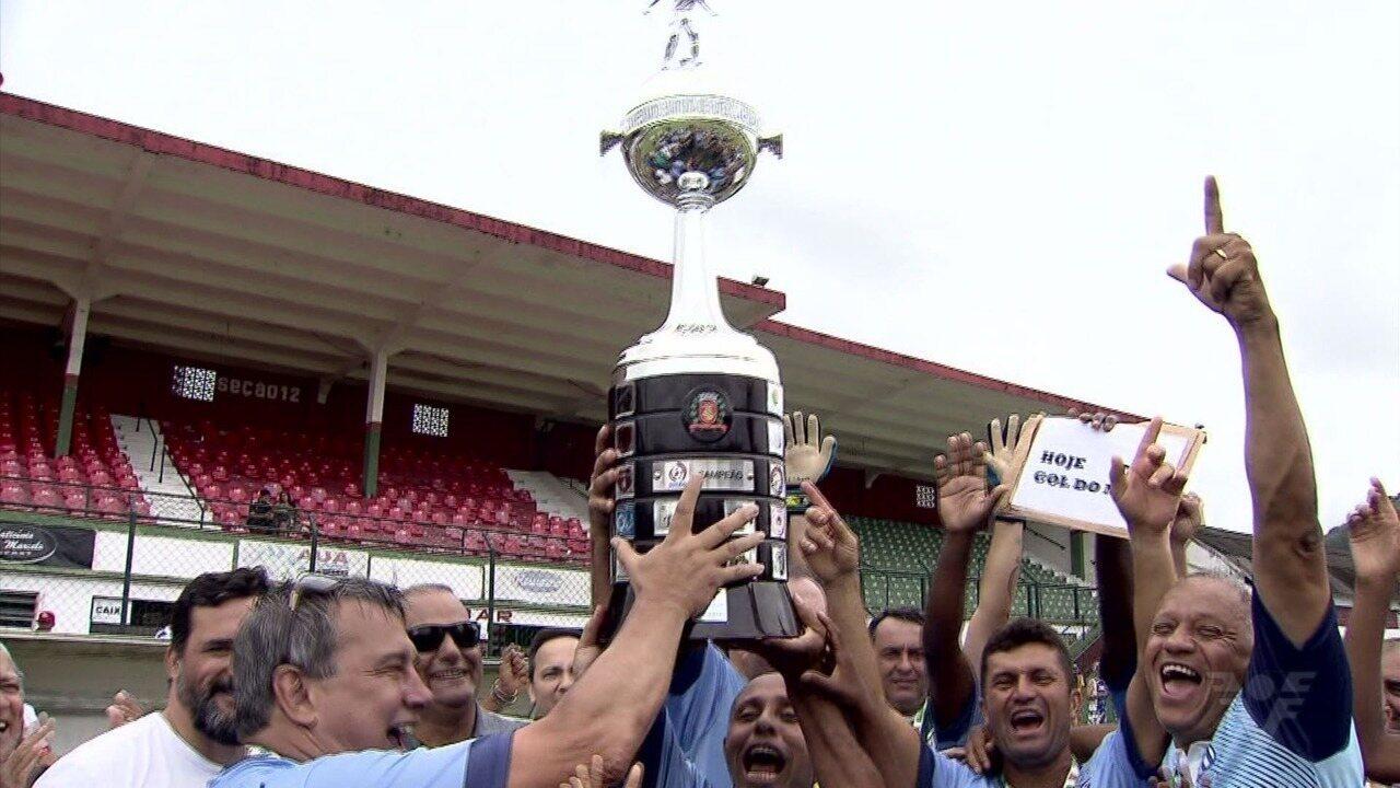 Veteranos agitam Ulrico Mursa na final do Campeonato Santista Varzeano Cinquentão