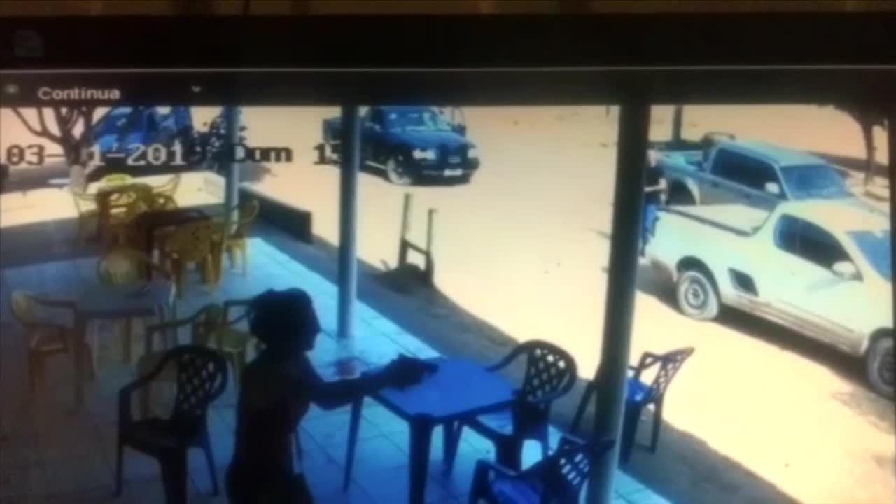 PM de folga atira em jovem que atacou cliente com facão em sorveteria em MT