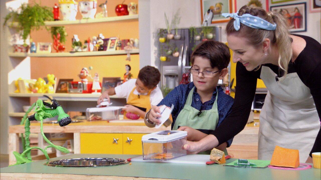 Hoje é Dia de Pizza! - Quem resiste a uma pizza? Kapim ensina a criançada a fazer pizzas saudáveis, com massas naturais, sem farinha e à base de abóbora, batata doce e inhame.