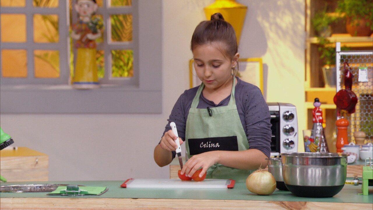Jantar Expresso - Para uma possível visita surpresa no jantar, Kapim ensina opções rápidas e saudáveis, como uma receita de macarrão de abobrinha e cenoura.
