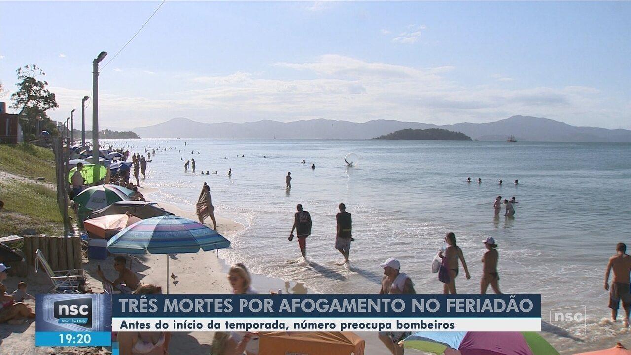 Três mortes por afogamento são registradas em SC durante o feriado