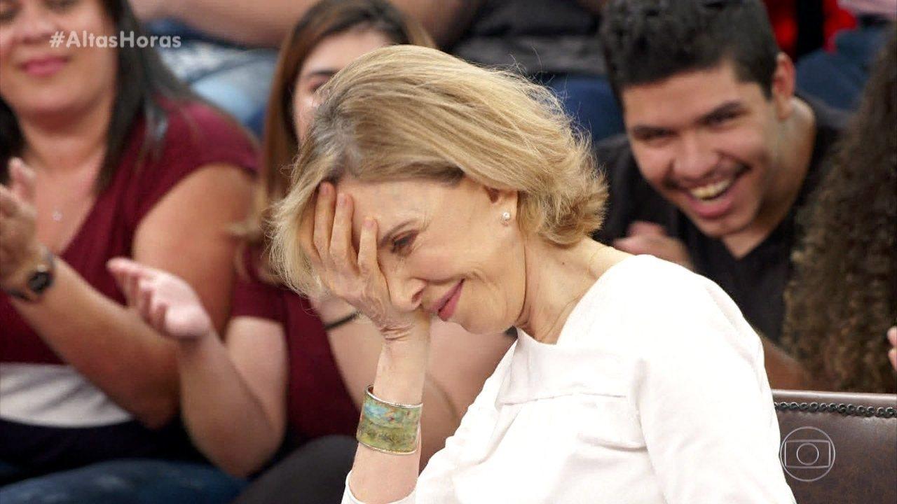 Marília Gabriela canta no Altas Horas