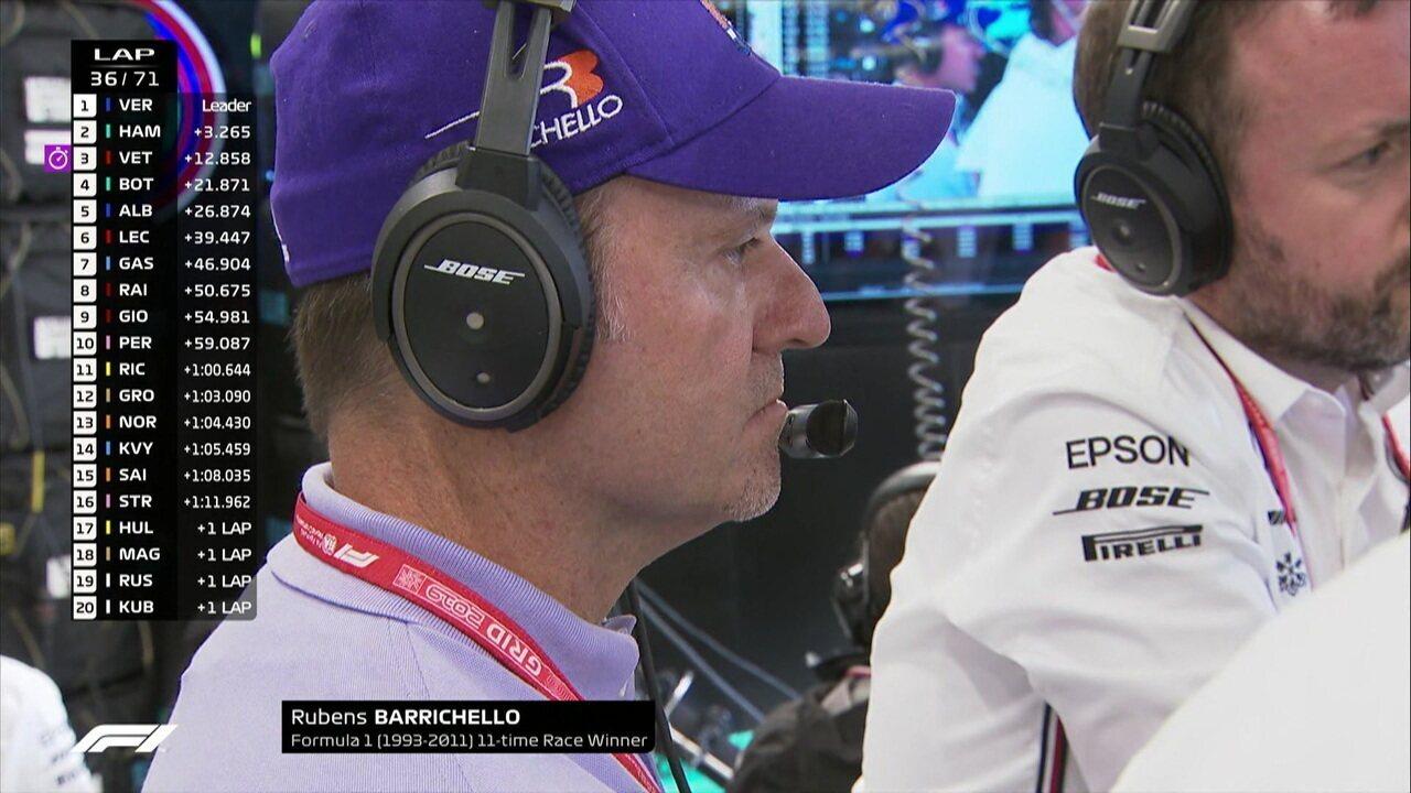 Rubens Barrichello assiste GP Brasil nos boxes da Mercedes