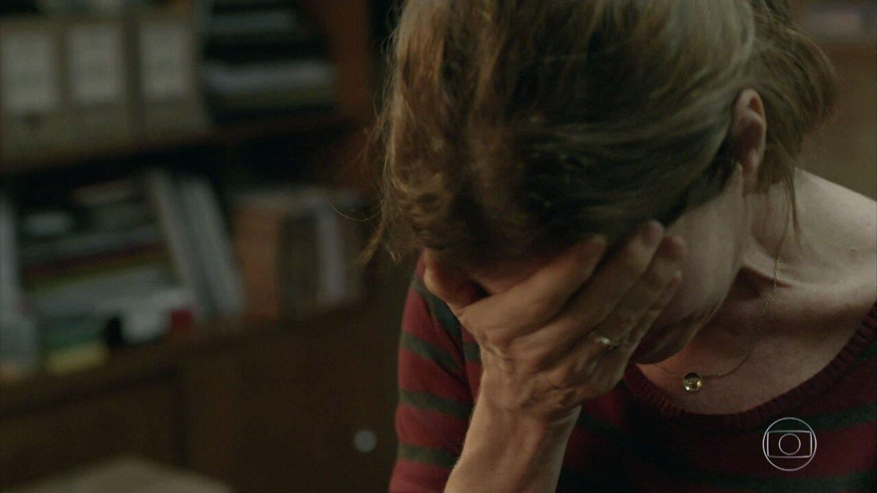 Lúcia chora e diz para Jaci que ela é culpada da morte de Maicon