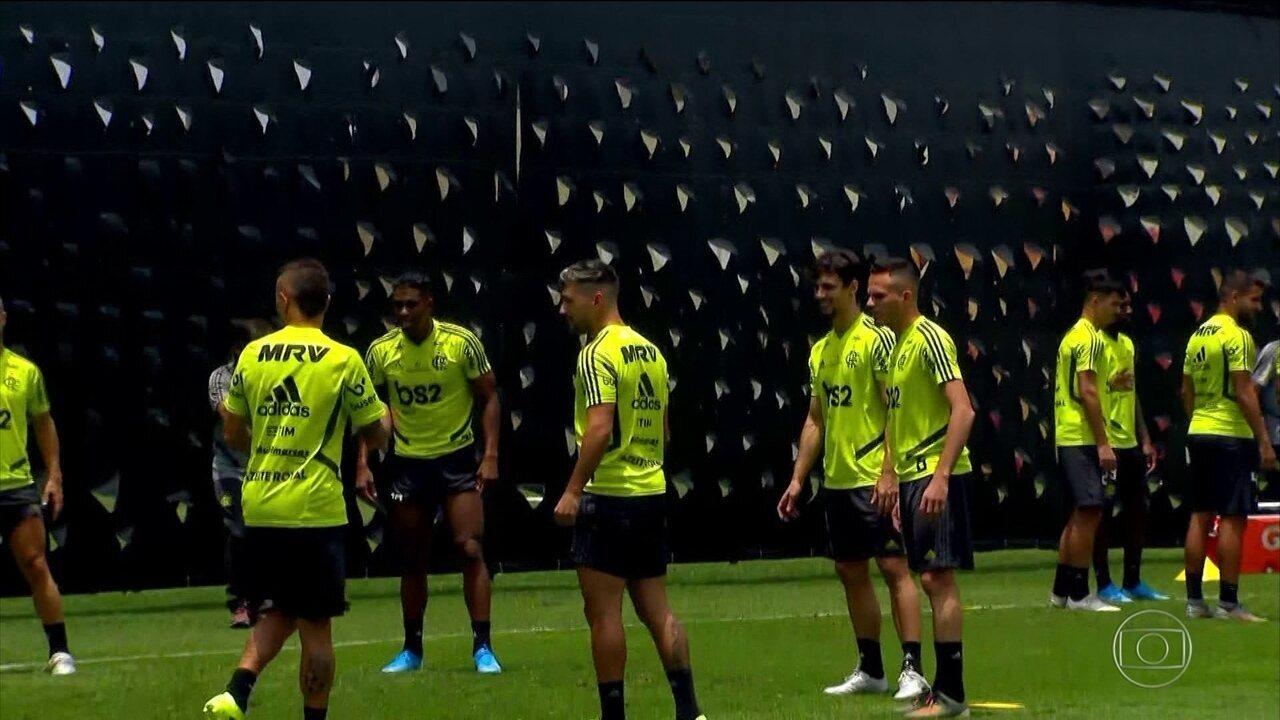 Jorge Jesus usa lonas para esconder treino do Flamengo em Lima