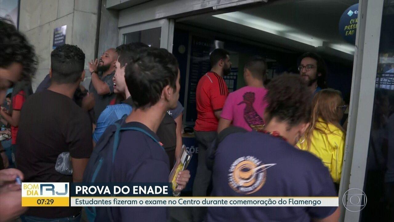 No Rio, estudantes fizeram o Enade 2019 durante a comemoração do título do Flamengo