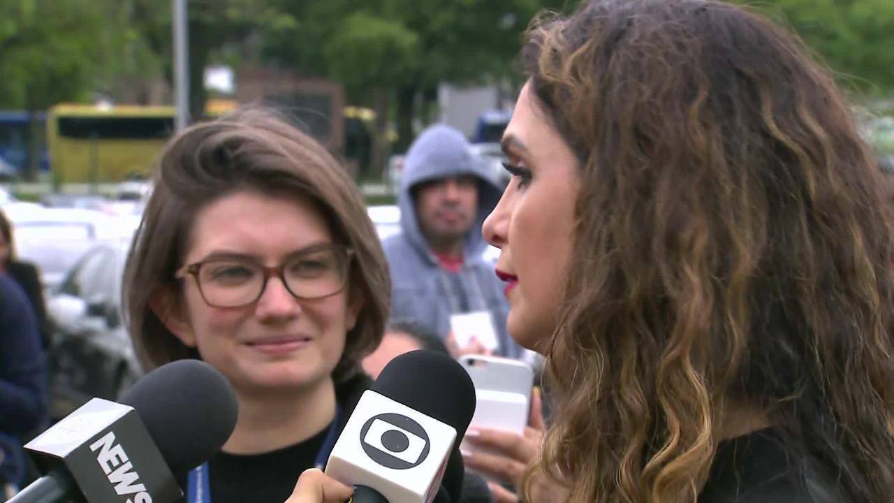 Luiza Ambiel chora na despedida a Gugu Liberato