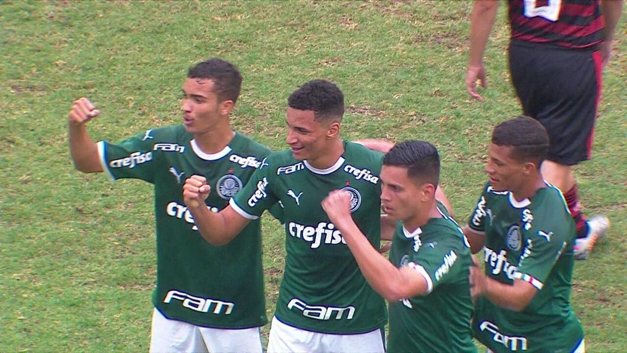 Veja gol de Henri pelo Palmeiras na base