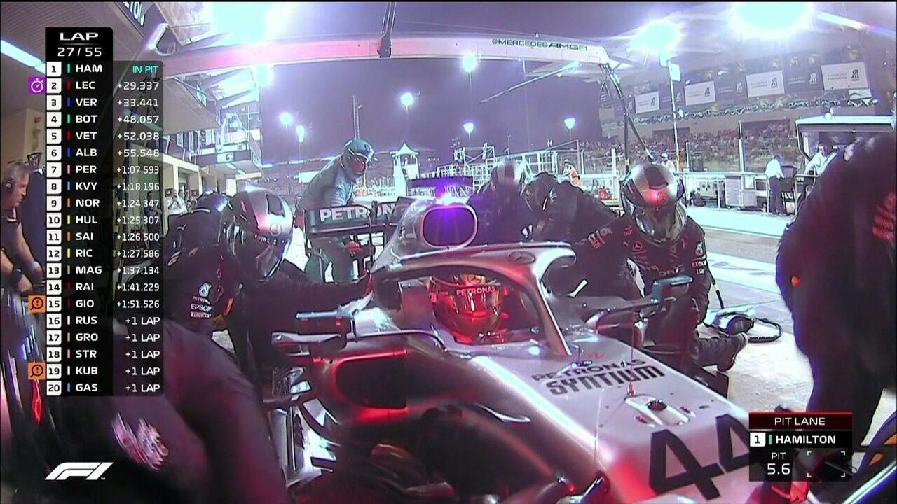 Líder da prova, Hamilton faz a sua parada e volta ainda na ponta