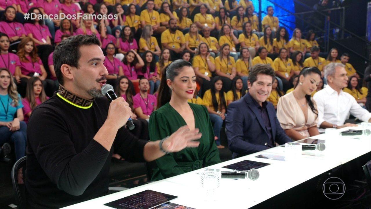 Jurados avaliam a apresentação de Regiane Alves