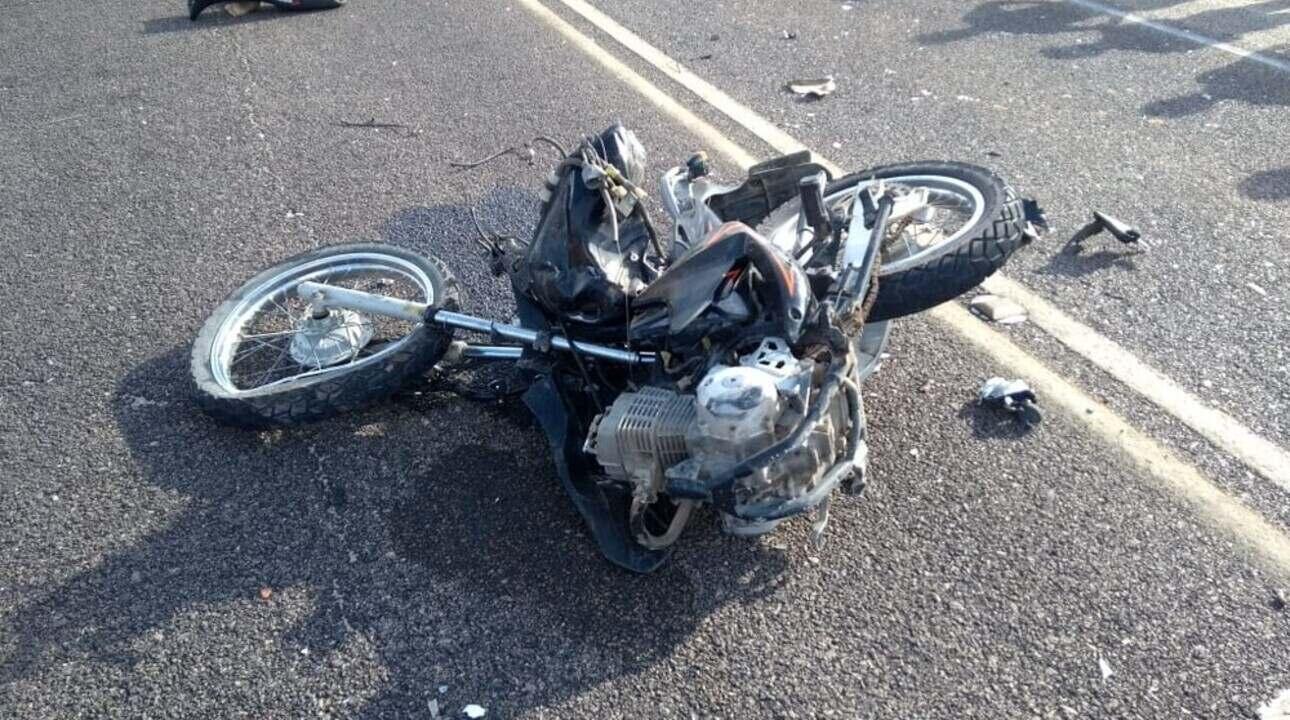Acidente entre moto e ônibus deixa três mortos em Itapipoca