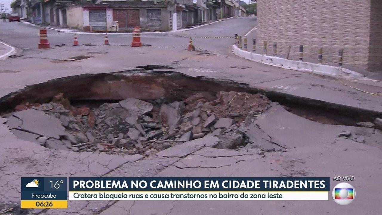 Cratera interdita ruas na Zona Leste de SP
