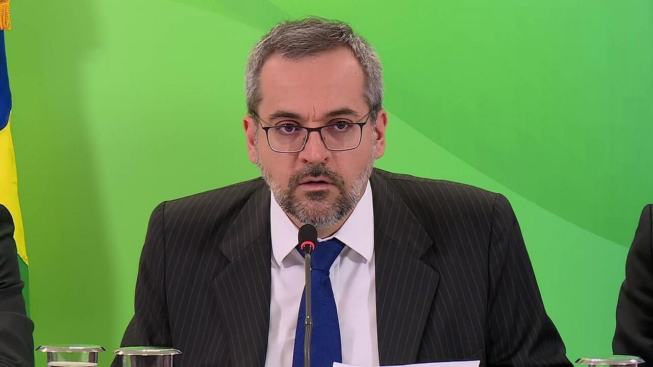 Ministro da Educação fala sobre Pisa: 'Estamos estagnados desde 2009'