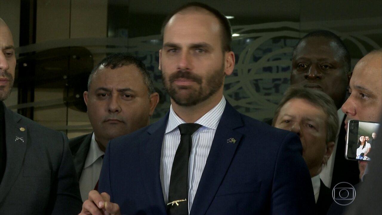 PSL confirma punições a Eduardo Bolsonaro e outros 17 deputados