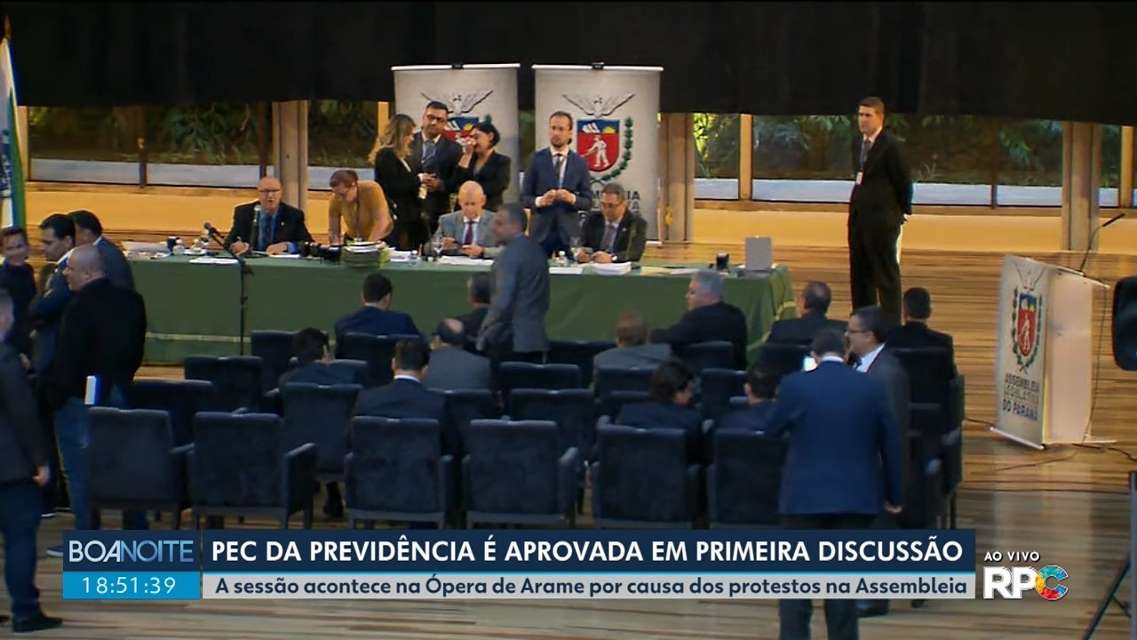 Deputados aprovam a PEC da previdência dos servidores públicos