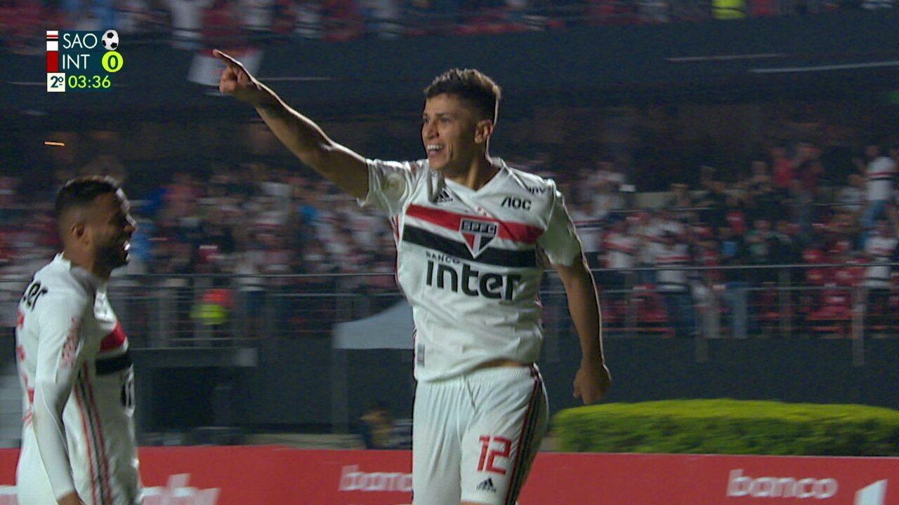 Gol do São Paulo! No contra-ataque, Antony sai correndo e toca para Vitor Bueno marcar, aos 03' do 2º tempo