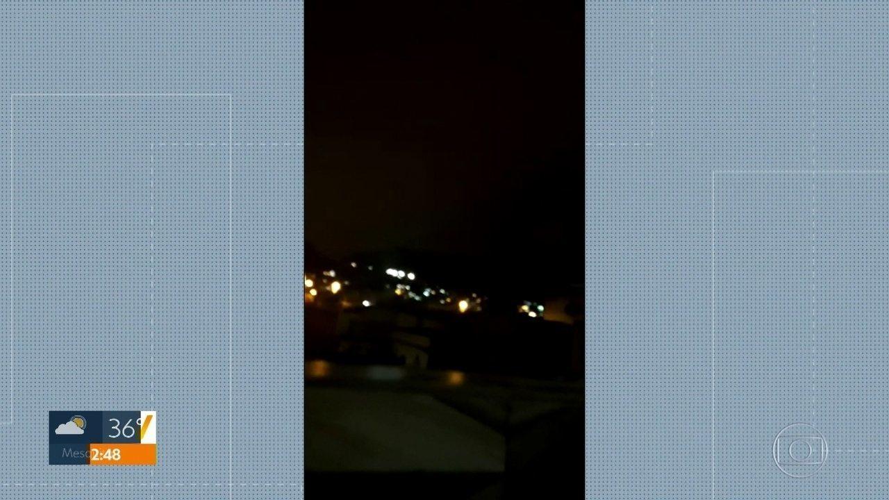 Imagens mostram intenso tiroteio durante operação policial no Morro do Dendê
