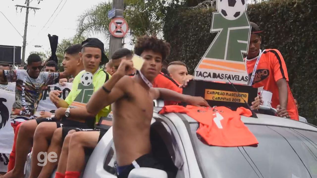 Festa na Favela! Meninos da Vila Brandina comemoram título na comunidade