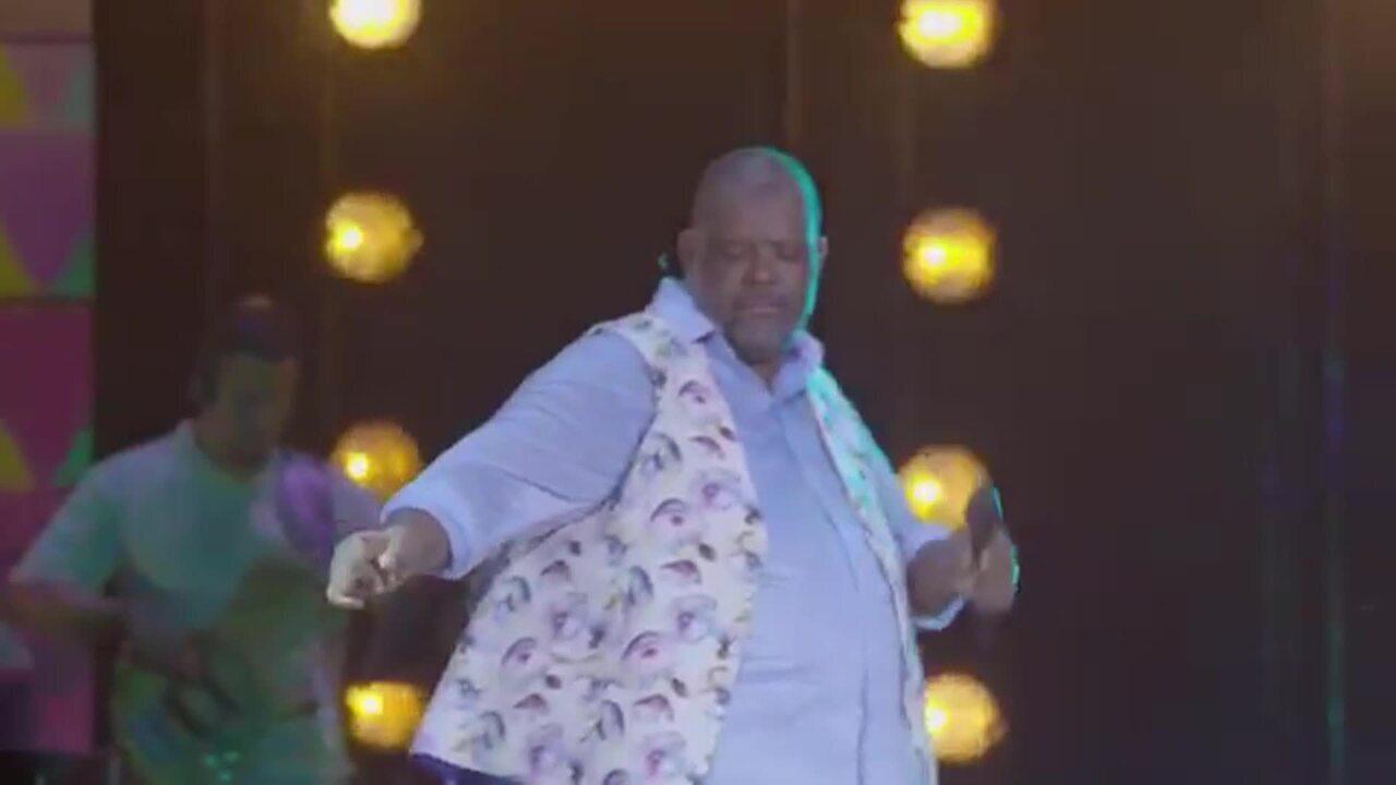 Péricles dança 'Havana' em DVD 'Mensageiro do Amor'